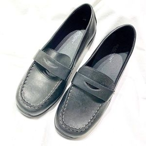WOMENS DRIVING / PENNY LOAFER -  NWOT